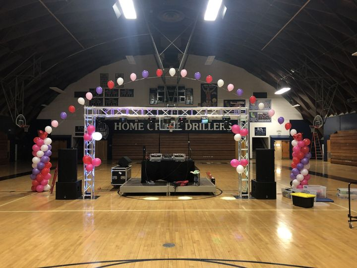 West Coast Sounds - Set up with balloon installations