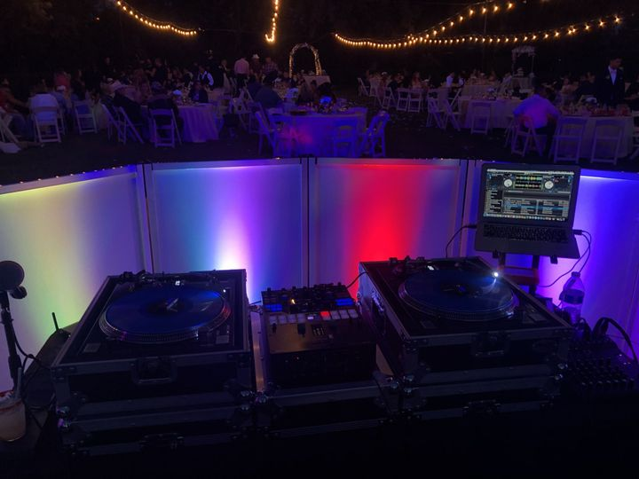 West Coast Sounds - Professional DJ booth