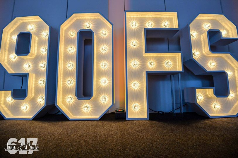 90 FS text lighted
