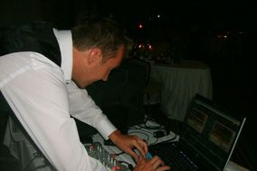 Artistic Events - DJ Services