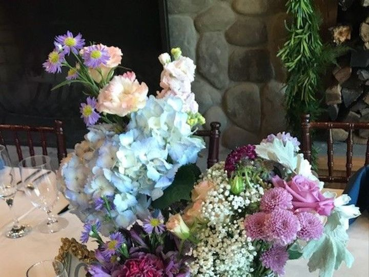 Tmx 1534279477 62deeb0b0bb2e2d9 1534279476 0ea8a5d277436082 1534279475992 7 Centerpeice At SO  Edgewater, Maryland wedding florist