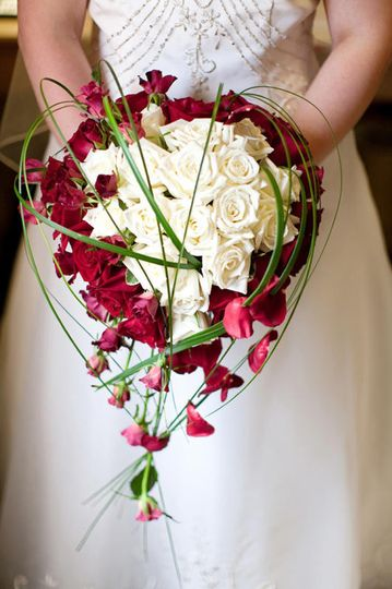 Bride's bouquet of roses
