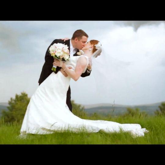 weddingwirethumbnailblackbars
