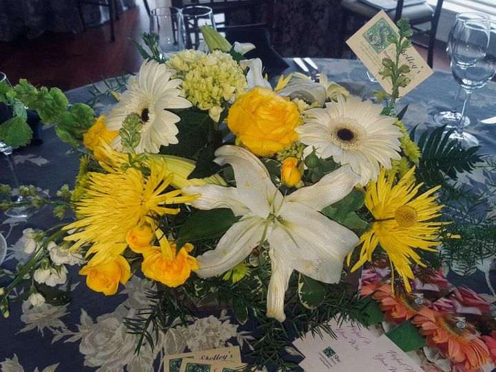 Tmx 1524318992 777c311a3e67d89d 1524318991 66b06503a8a44077 1524318972527 14 Photo Apr 21  9 0 Waldoboro, ME wedding florist
