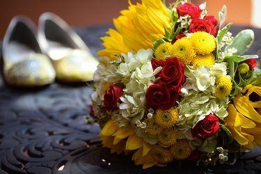 Tmx 1537379764 F5fd86a7081283eb 1537379763 Efd1bb464bddb3f5 1537379757918 4 FPB391 1lg  1  Davenport wedding florist