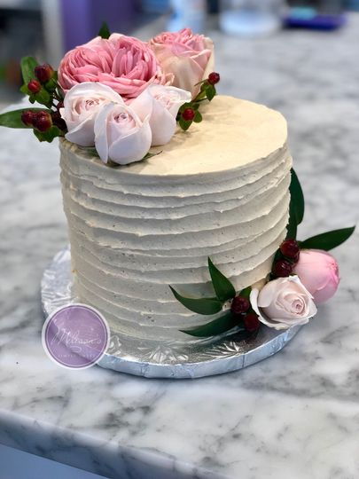 Cake with flower ornaments