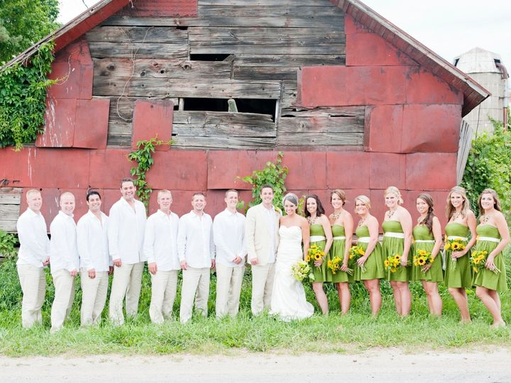 Tmx Photo 5 51 1917777 158550286233631 Wyoming, MI wedding florist