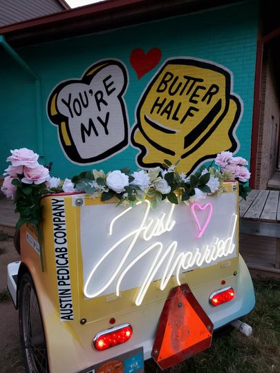 Neon 'Just Married' sign