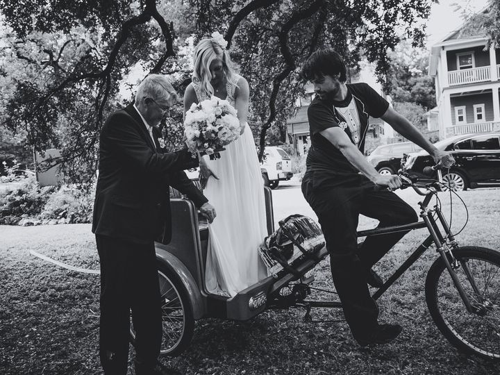 Tmx Wedding Credit Jenna Avery6 51 1442877 160011018174877 Austin, TX wedding transportation