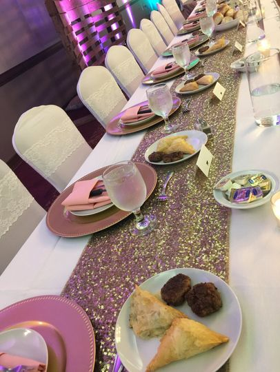 Plated head table apps