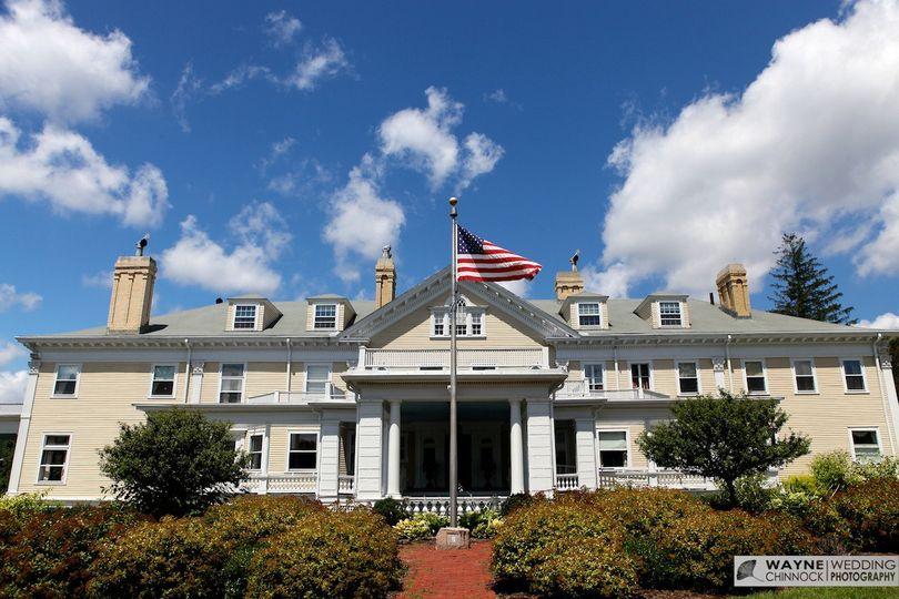 endicott estate front of mansion 3