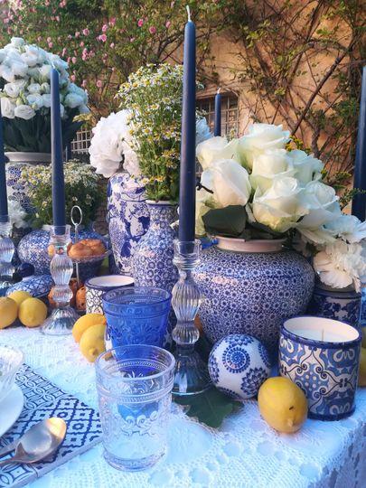 Mediterranean table decor.