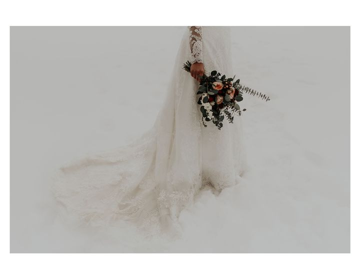Tmx 1520273461 8c8a4e9e79e305fe 1520273457 E0d35cd968303b8a 1520273438899 6 Winterflowers Windham, ME wedding photography