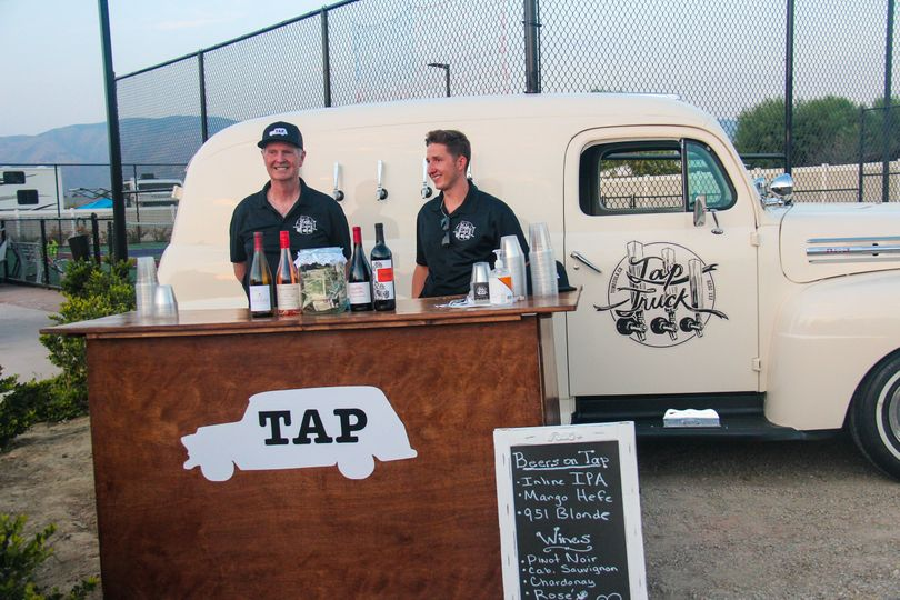 Built-in bar and tap truck