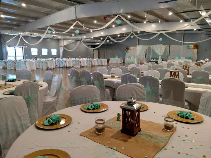Round-table set - Welcome Hall