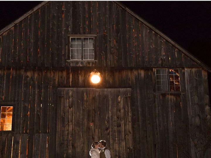 Tmx Kelly Doug In Front Of Barn 51 1039877 Fairlee, VT wedding venue