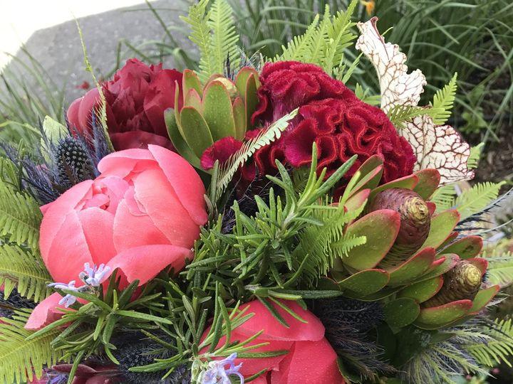 Tmx 1515877709 1ca07ea62401c059 1515877706 5e5c5931287a80ce 1515877704073 6 IMG 0096 Eastsound, Washington wedding florist