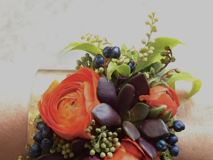 Tmx 1515877834 B1af3fd54269b3b6 1515877833 40572e98f7400774 1515877831262 7 Fullsizeoutput Cef Eastsound, Washington wedding florist
