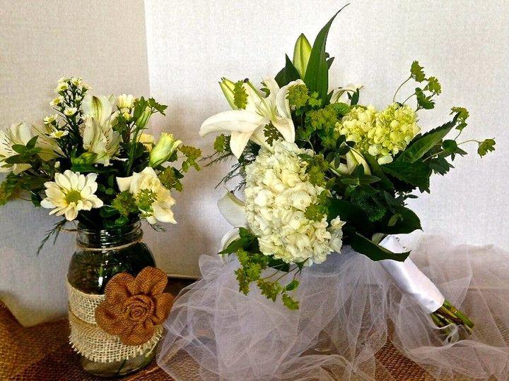 Tmx 1443721745633 104643667591750108121862203321158864239208n Rochester, New York wedding florist