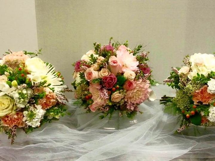 Tmx 1443722059909 1201121610241945909768922916617056132836142n Rochester, New York wedding florist
