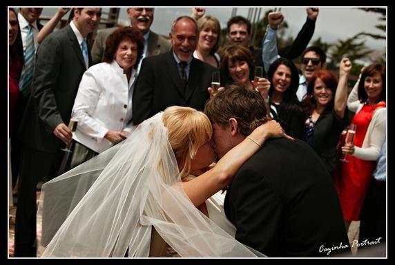 weddingcouplefuncandid