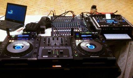 Groove2Much DJ/MC 1