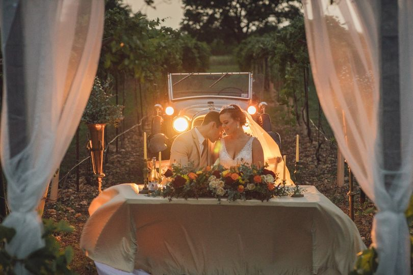 Arch and Lush Head Table
