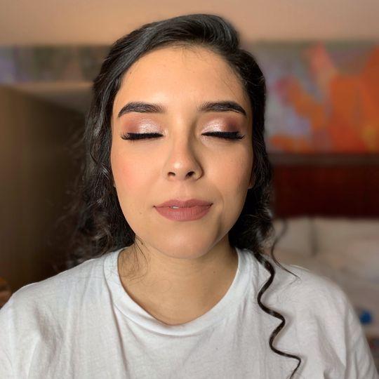 Muave + natural makeup