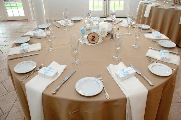 Simple Rustic Tablescape