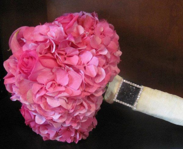Hot Pink Hydrangea, Callas and Roses