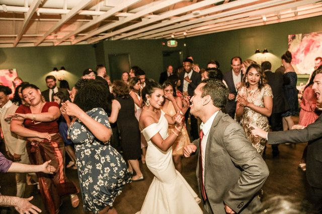 Tmx Img 7379 51 446187 160201900353326 Los Angeles, California wedding dj