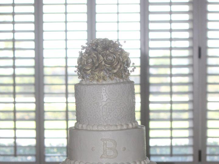 Tmx 1526747000 1b82f5c804adf013 1526746996 E265c77ec3489f8d 1526746892164 3 IMG 7631 Fairmont wedding cake