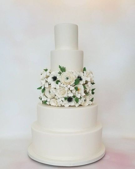 73a2d9ed8283acc9 Elegant wedding cake MAR cake art