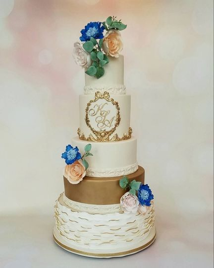 Floral white and gold cake