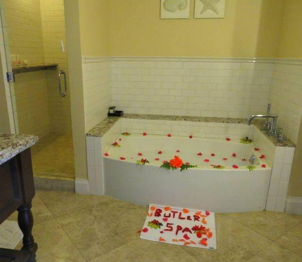 Bathtub with petals