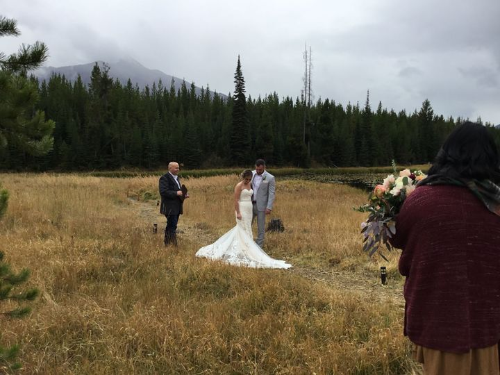 Tmx 1538269769 85ce50d43171387b 1538269766 92651553b0551e49 1538269761892 7 IMG 0279 Red Lodge wedding officiant