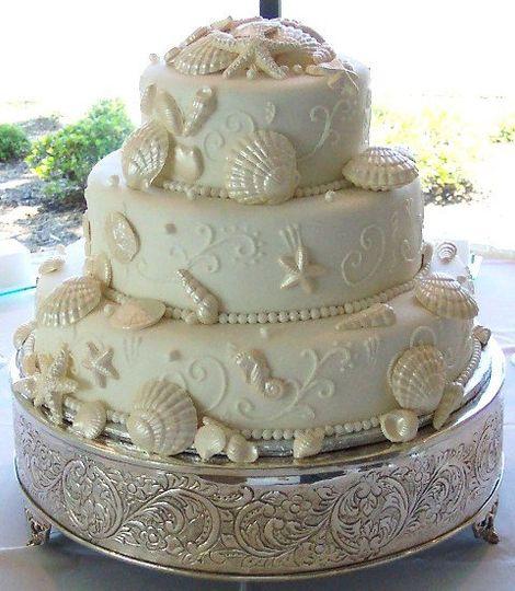 Fondant White Chocolate Seashell Cake