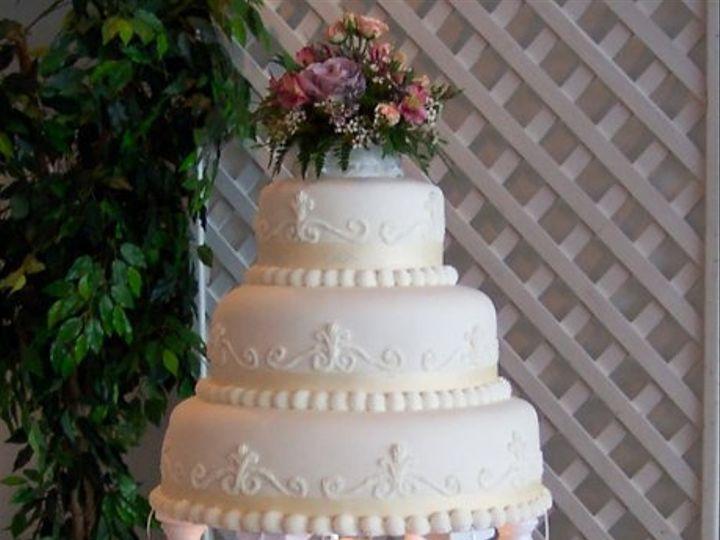 Tmx 1280655425592 SATELITEFOUNTAIN Long Beach wedding cake