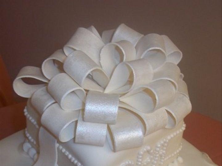 Tmx 1280655434326 SquareFondantWeddingCakeBow Long Beach wedding cake