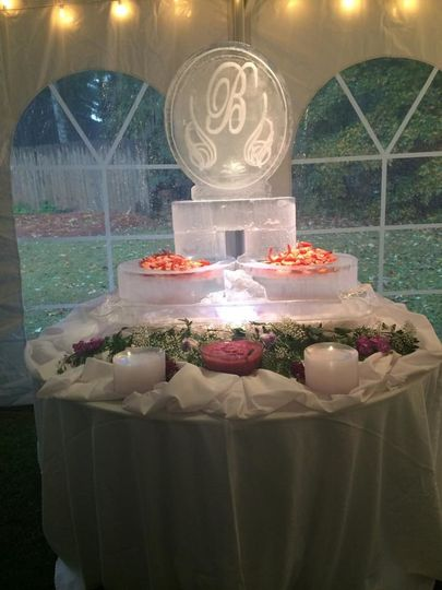 Illuminated table centerpiece