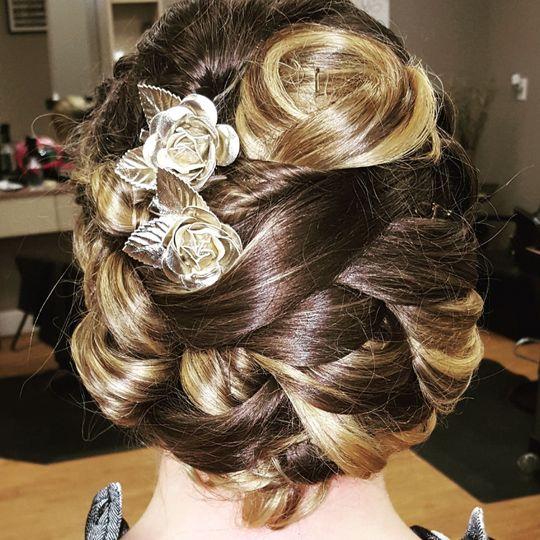 Glamorous hair
