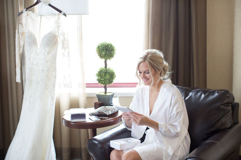 Bride prepping for Her day