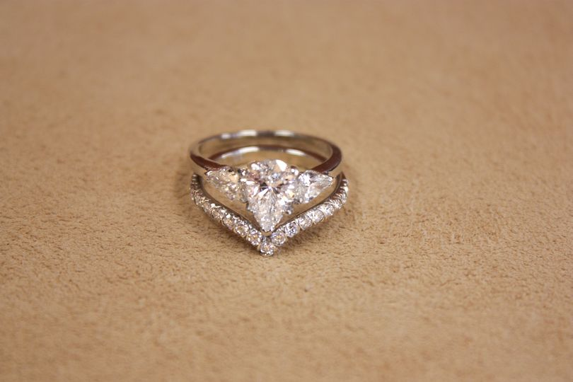 Chevron platinum wedding set