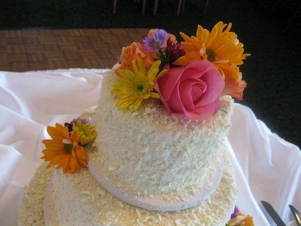 Tmx 1324607095184 2630391825672851325481445970189295754505741019432n Verona, WI wedding cake