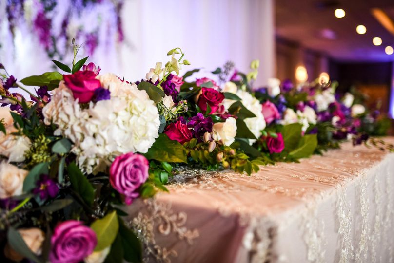 Floral garland arrangement