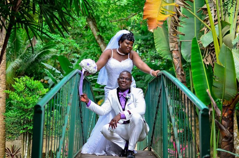 Wedding couple at hope gardens