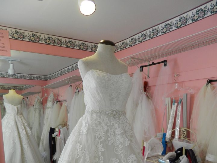 Tmx Dscn1902 51 175387 Canandaigua, New York wedding dress