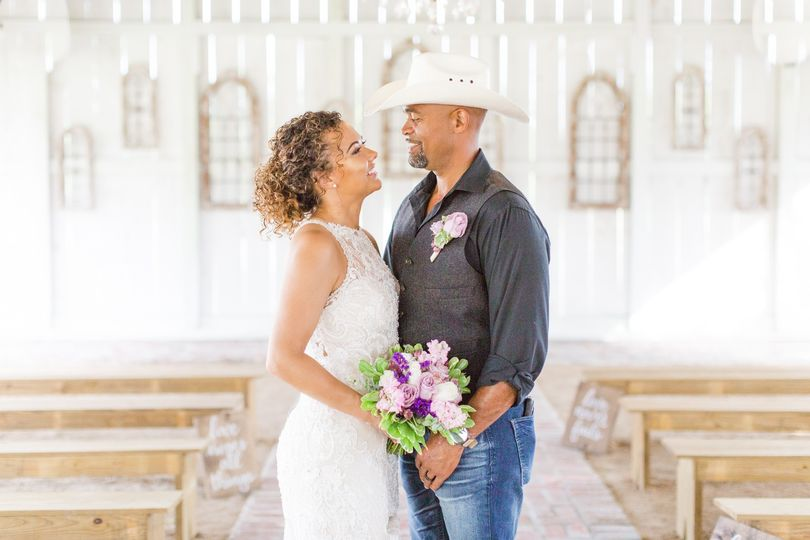 june 2019 wedding stylized photo shoot 117 51 1066387 1561926912