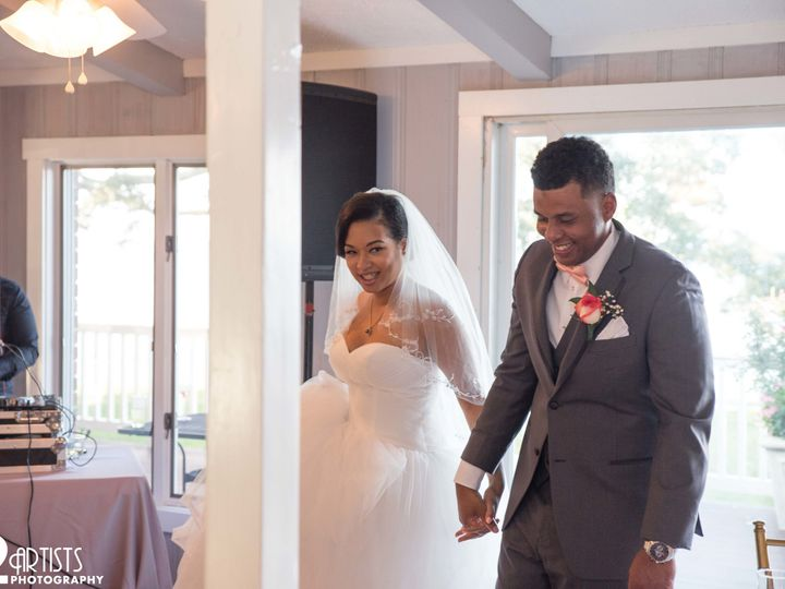 Tmx 1539403224 C998af30d9327af5 1539403217 933f468fddcbab77 1539403339210 35 IMG 5008 Lancaster, PA wedding photography
