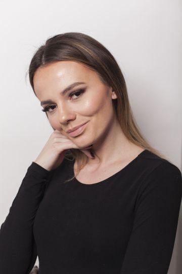 Full face makeup look